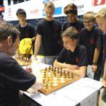 U16 Trainingsgruppe an Brett 1 mit Holger Borchers